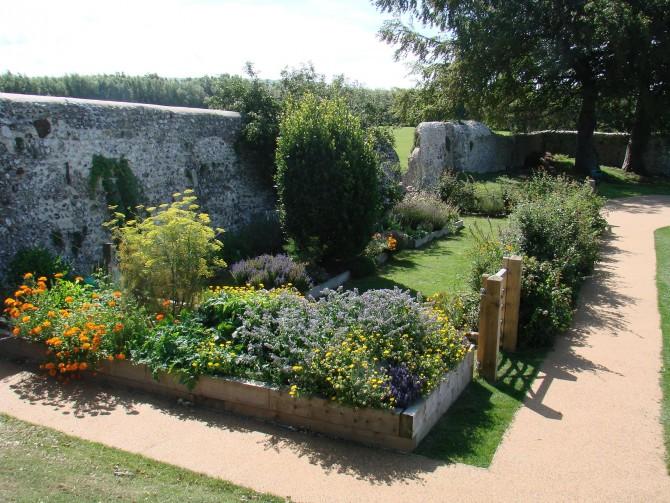 herb garden in summer - Herb Garden Ideas Uk